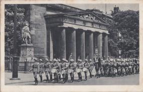 Berlin - Ehrenmal 1941