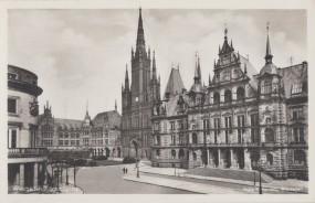 Wiesbaden - Schloßplatz - Adolf-Hitler-Platz mit Rathaus, Marktkirche und Studienanstalt