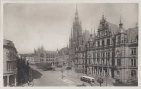 Wiesbaden - Schloßplatz mit Rathaus und Marktkirche 1930a
